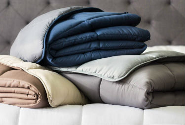 Close up of the All-Season Down Comforter by Linenspa
